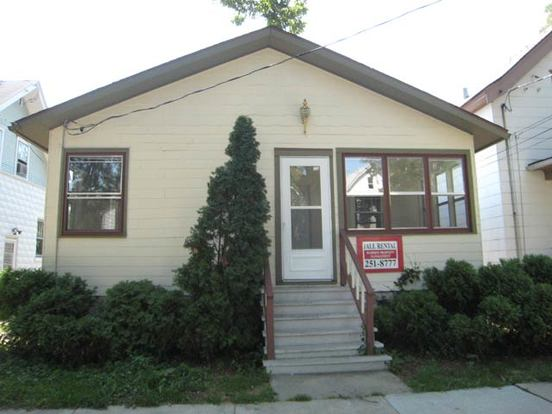 3 Bedrooms 1 Bathroom House for rent at 1139 E Mifflin St in Madison, WI