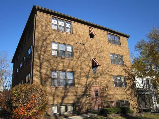 Studio 1 Bathroom Apartment for rent at 419 N Pinckney St in Madison, WI