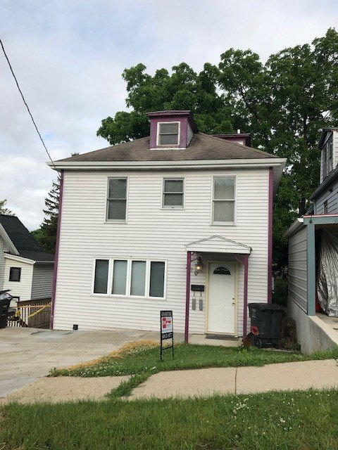 3 Bedrooms 1 Bathroom House for rent at 320 S Franklin St in Stoughton, WI