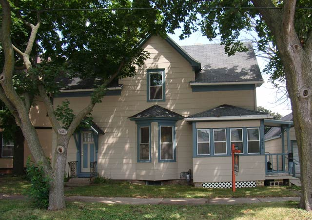 3 Bedrooms 2 Bathrooms House for rent at 834 Emerson St in Madison, WI