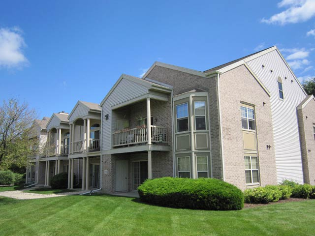 1 Bedroom 2 Bathrooms Apartment for rent at Forest Downs Apartments in Fitchburg, WI