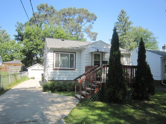 2 Bedrooms 1 Bathroom House for rent at 1838 Schlimgen Ave. in Madison, WI