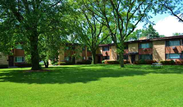 2 Bedrooms 1 Bathroom Apartment for rent at Faircrest Apartments in Madison, WI