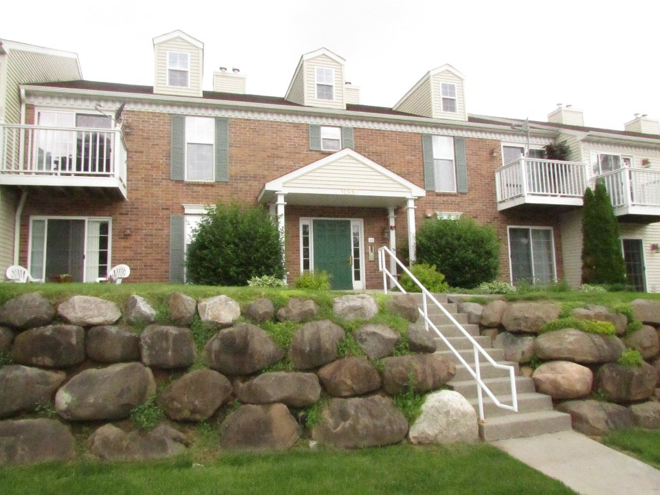 2 Bedrooms 1 Bathroom Apartment for rent at 1006 Gammon Ln. in Madison, WI