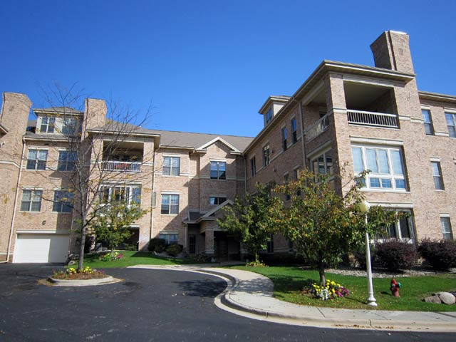 3 Bedrooms 2 Bathrooms Apartment for rent at 5418 Old Middleton Rd in Madison, WI