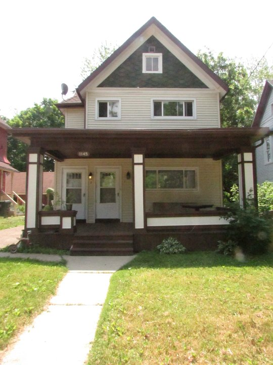 2 Bedrooms 1 Bathroom Apartment for rent at 1145 E Johnson in Madison, WI