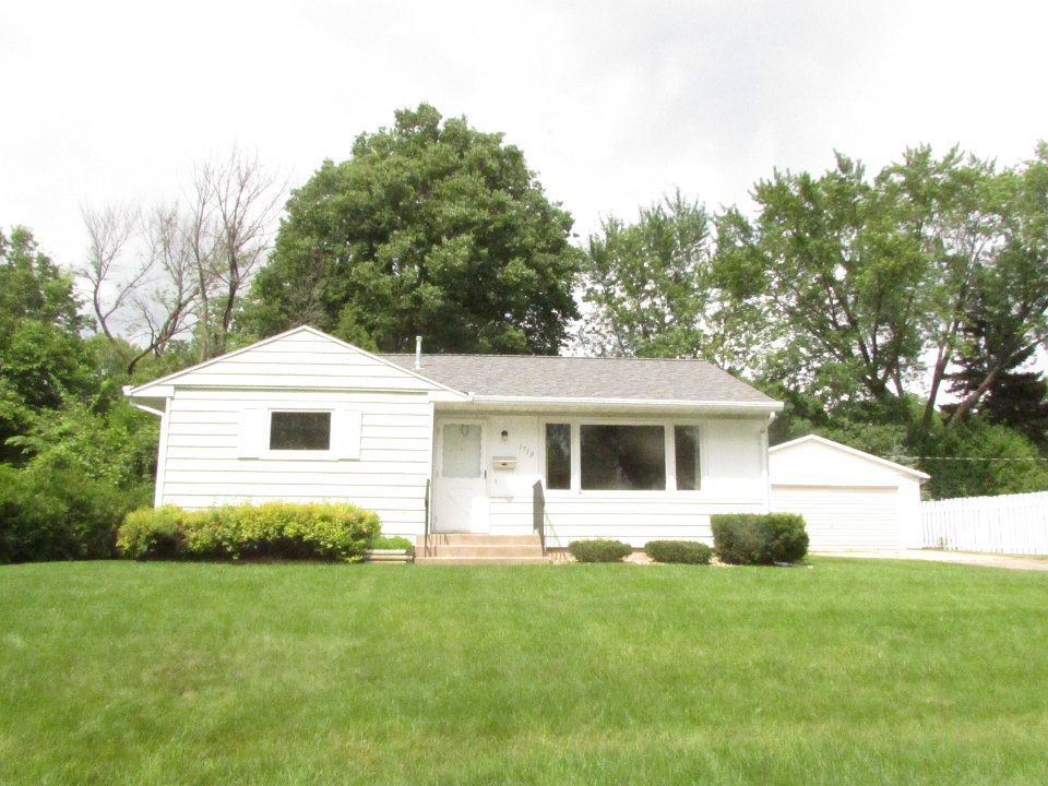 3 Bedrooms 1 Bathroom House for rent at 1710 Thackeray Road in Madison, WI