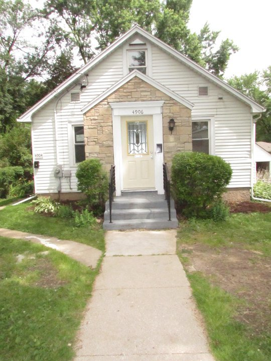 2 Bedrooms 1 Bathroom Apartment for rent at 4904/4906 Buckeye Rd in M, WI