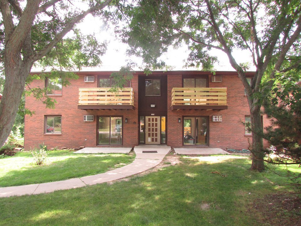 2 Bedrooms 1 Bathroom Apartment for rent at 2429 Chalet Gardens Ct in Fitchburg, WI
