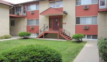 Similar Apartment at 6210 Mineral Point Rd