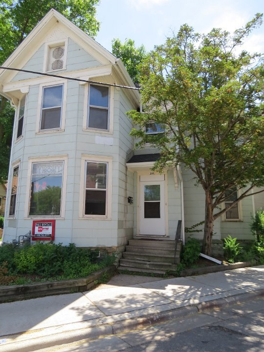 1 Bedroom 2 Bathrooms House for rent at 219 N Hamilton St in Madison, WI