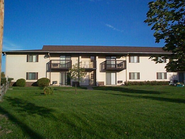 1 Bedroom 1 Bathroom Apartment for rent at 6588 Lake Rd in Madison, WI