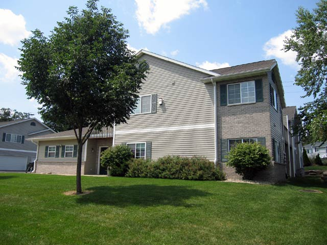 2 Bedrooms 2 Bathrooms Apartment for rent at 3326 Leopold Way in Madison, WI