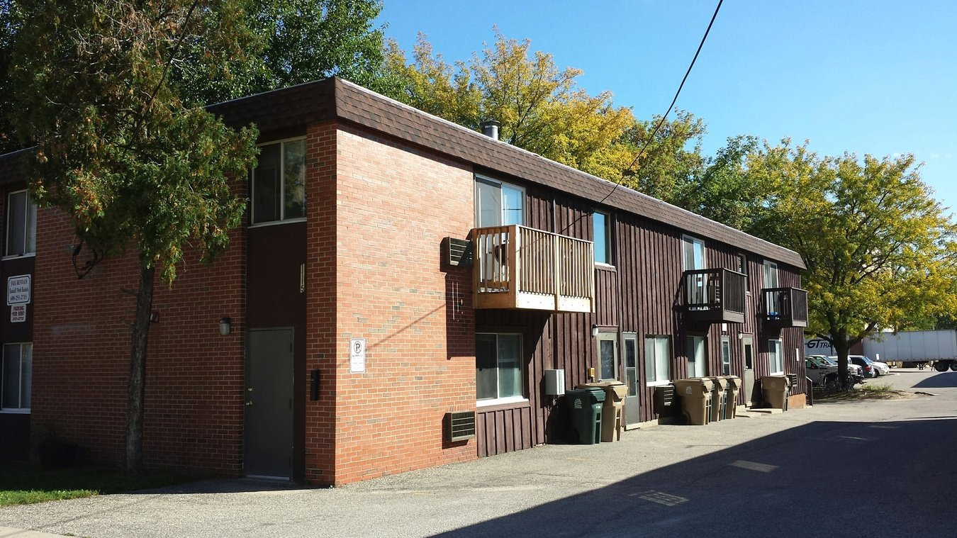 3 Bedrooms 1 Bathroom Apartment for rent at 1115 Spring St in Madison, WI
