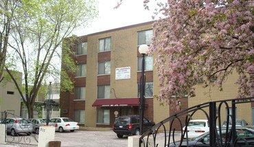 Inez Apartments