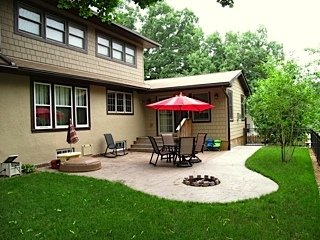 3 Bedrooms 3 Bathrooms Apartment for rent at 4147 Abbott Ave So in Minneapolis, MN