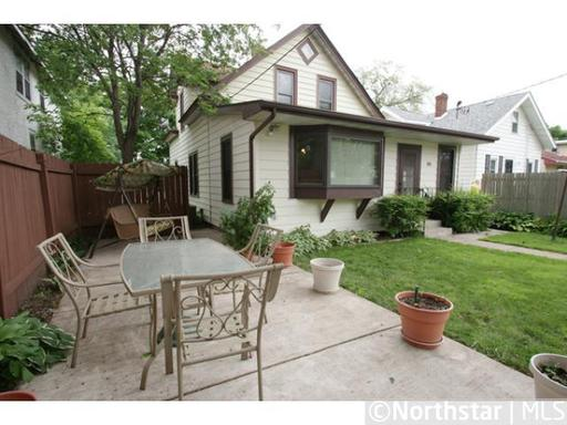 4 Bedrooms 3 Bathrooms Apartment for rent at 1098 11th Ave Se in Minneapolis, MN