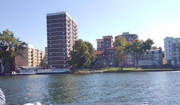The Surf 1-bedroom Apartment for rent in Madison, WI