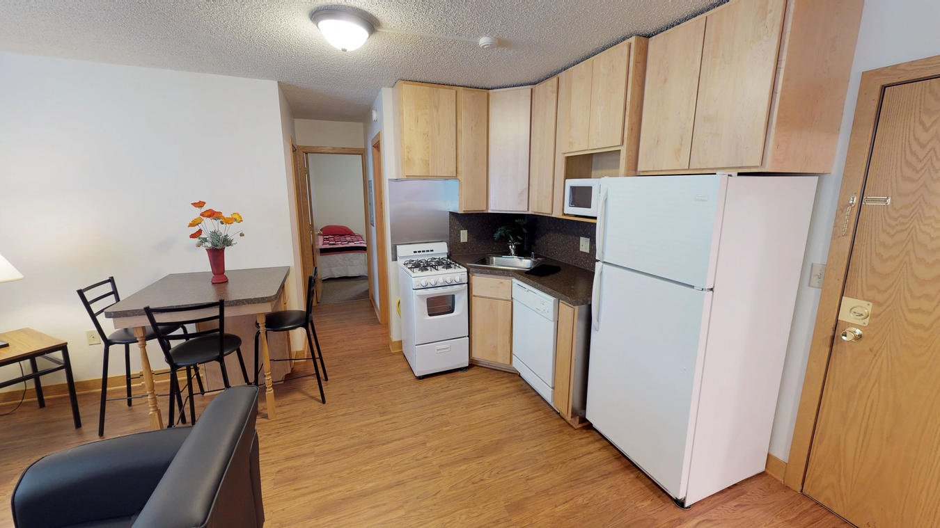3 Bedrooms 2 Bathrooms Apartment for rent at Saxony Apartments in Madison, WI