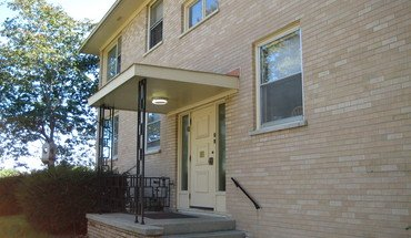 Ascot Arms Apartment for rent in Madison, WI