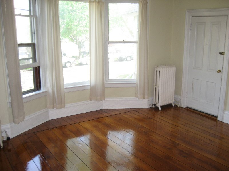 2 Bedrooms 1 Bathroom Apartment for rent at 929 E Gorham St in Madison, WI