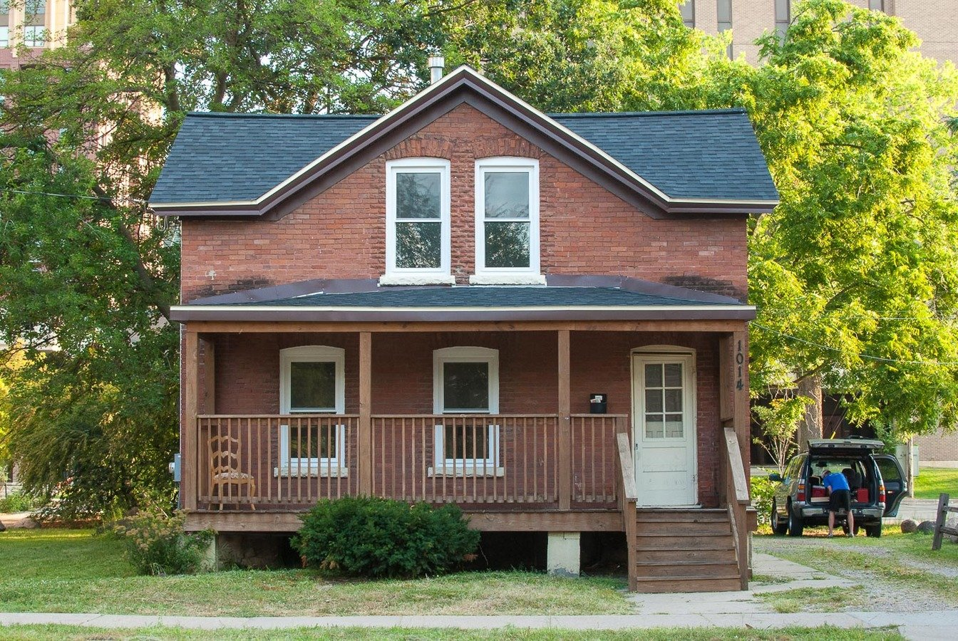 3 Bedrooms 1 Bathroom House for rent at 1014 W Dayton St in Madison, WI