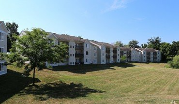 Oxford Hills Apartments