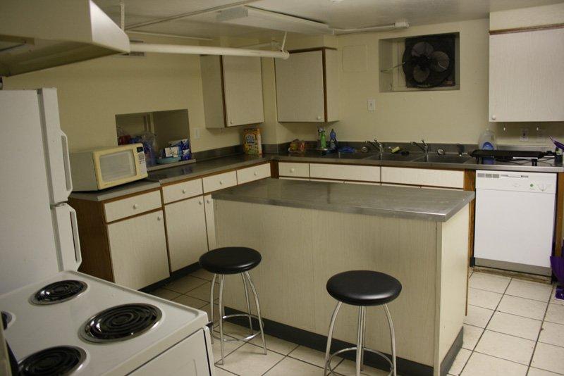5 Bedrooms 2 Bathrooms Apartment for rent at 2803 Clifton in Cincinnati, OH