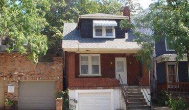 Similar Apartment at 2228 Victor St.