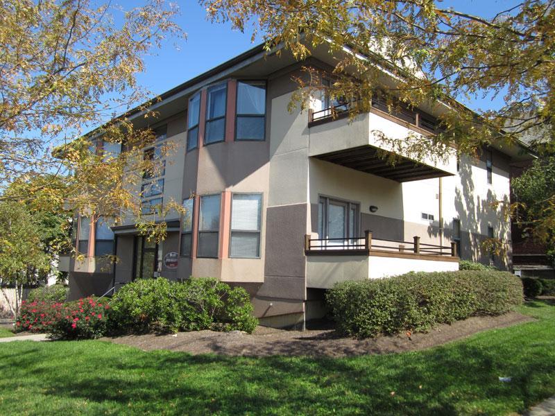 2902 Bellevue