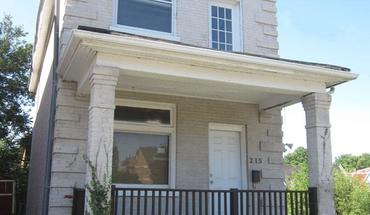 Similar Apartment at 215 E Rochelle