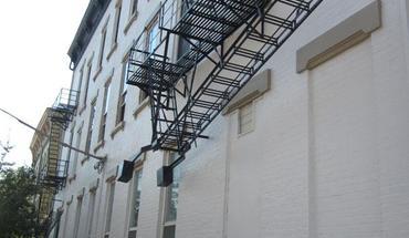 Similar Apartment at 5 E University
