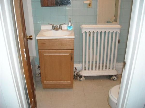 Studio 1 Bathroom Apartment for rent at 114 N Division St in Ann Arbor, MI