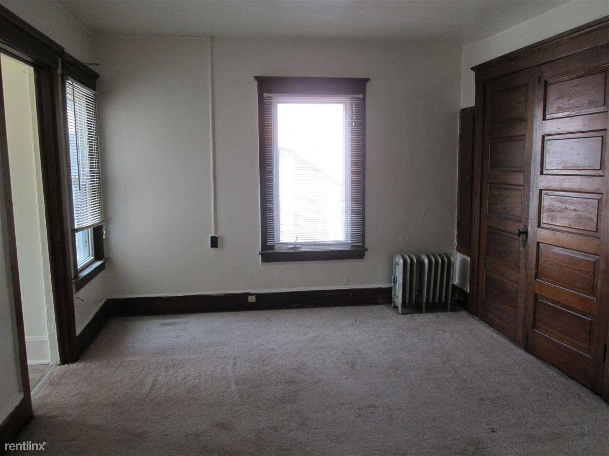Studio 1 Bathroom Apartment for rent at 719 W. Cross in Ypsilanti, MI