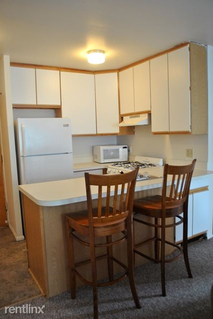 2 Bedrooms 1 Bathroom Apartment for rent at 925 Church St in Ann Arbor, MI