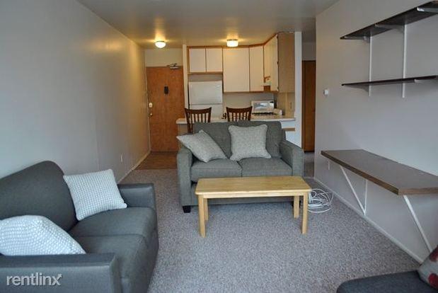 2 Bedrooms 1 Bathroom Apartment for rent at 925 Church St in Ann Arbor, MI
