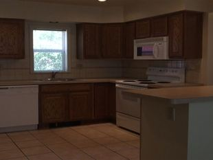 6 Bedrooms 3 Bathrooms House for rent at 425 Church in Ann Arbor, MI