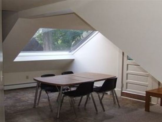 3 Bedrooms 1 Bathroom Apartment for rent at 520 Hill in Ann Arbor, MI
