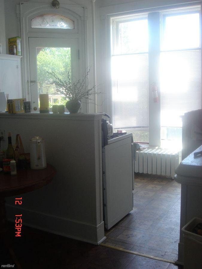 2 Bedrooms 1 Bathroom Apartment for rent at 320 S. Division in Ann Arbor, MI