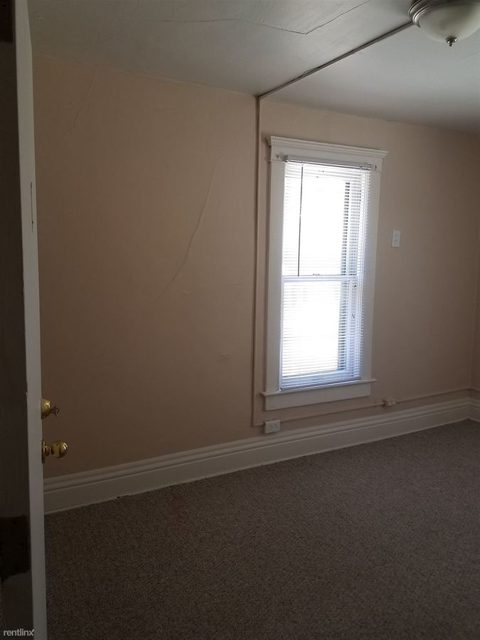 Studio 2 Bathrooms House for rent at 737 Packard in Ann Arbor, MI