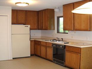2 Bedrooms 1 Bathroom Apartment for rent at 795-797 N. Maple in Ann Arbor, MI