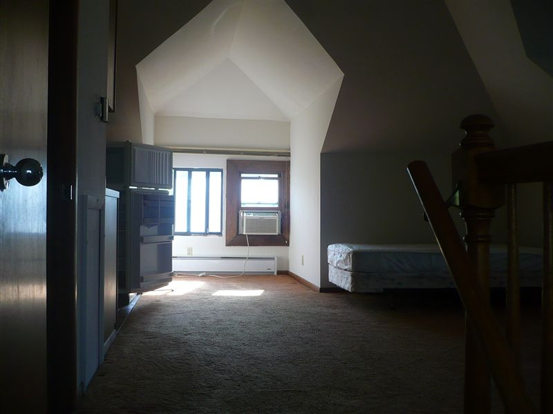 Studio 1 Bathroom Apartment for rent at 736 S Forest Ave in Ann Arbor, MI