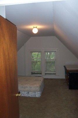 2 Bedrooms 1 Bathroom Apartment for rent at 306 Thompson St in Ann Arbor, MI