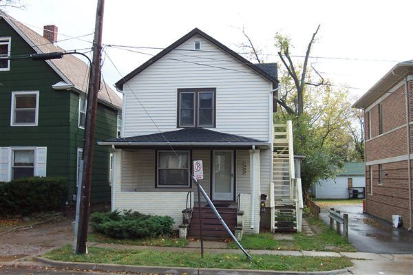 1 Bedroom 1 Bathroom Apartment for rent at 1352 Wilmot Ct in Ann Arbor, MI