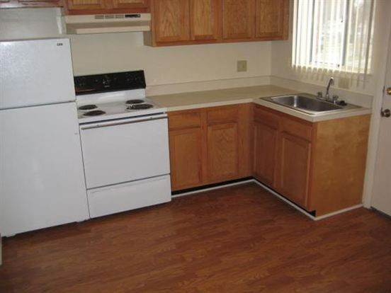 2 Bedrooms 1 Bathroom Apartment for rent at Garden Court Apartments And Townhomes in Pontiac, MI