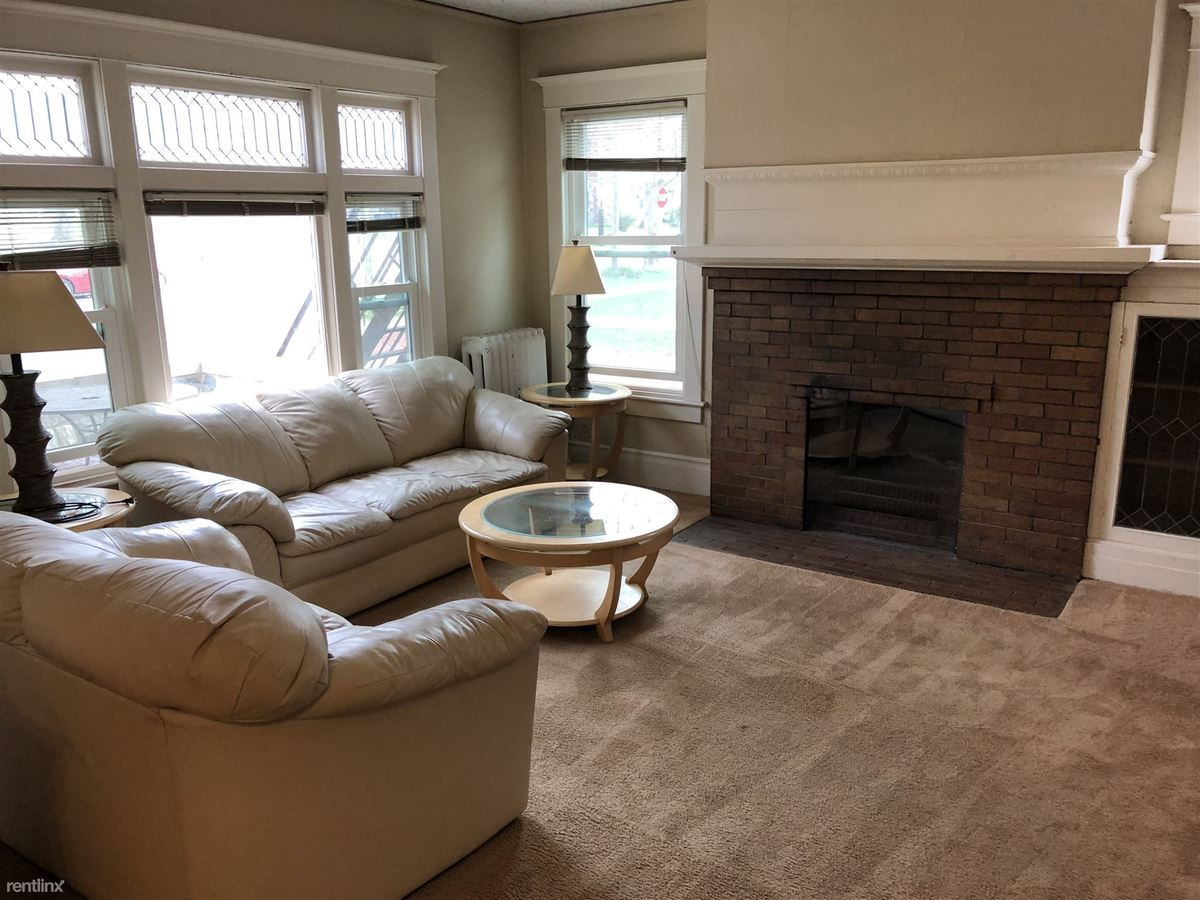 8+ Bedrooms 2 Bathrooms Apartment for rent at 1026 Oakland Ave in Ann Arbor, MI