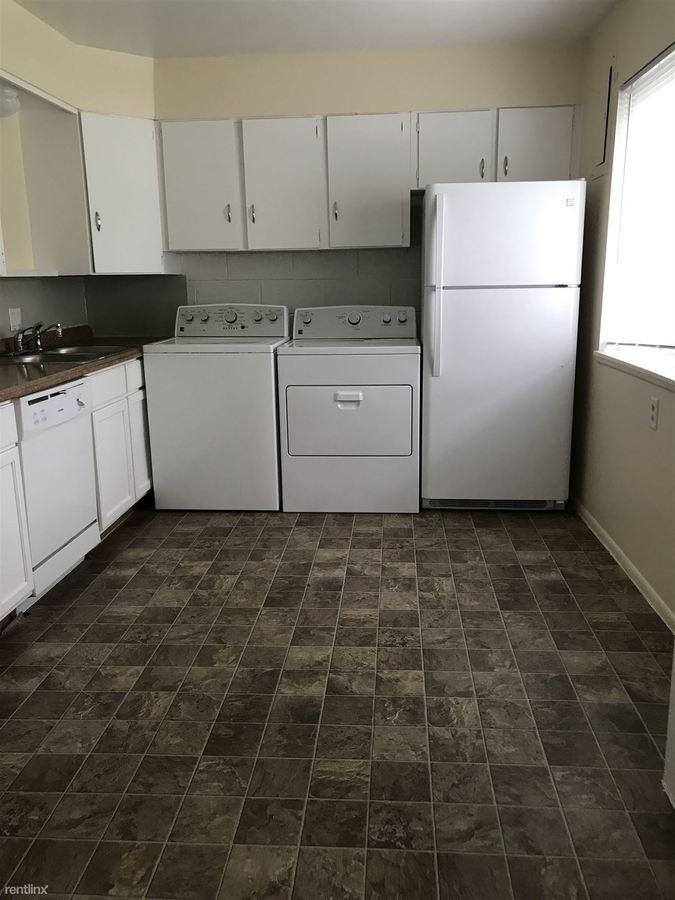 2 Bedrooms 1 Bathroom Apartment for rent at 1107 Elder Blvd in Ann Arbor, MI