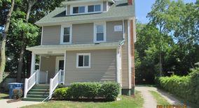 Similar Apartment at 1103 Packard St