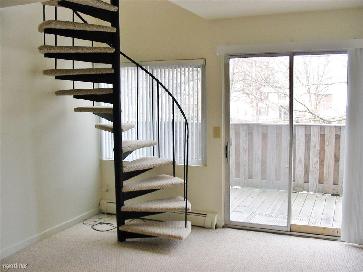 2 Bedrooms 1 Bathroom Apartment for rent at 1127 Church St in Ann Arbor, MI