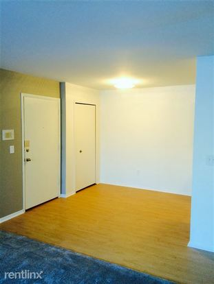 1 Bedroom 1 Bathroom Apartment for rent at Lafayette Court Apartments in Royal Oak, MI